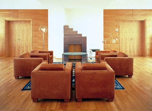 Couch – Hommage to Eileen Gray